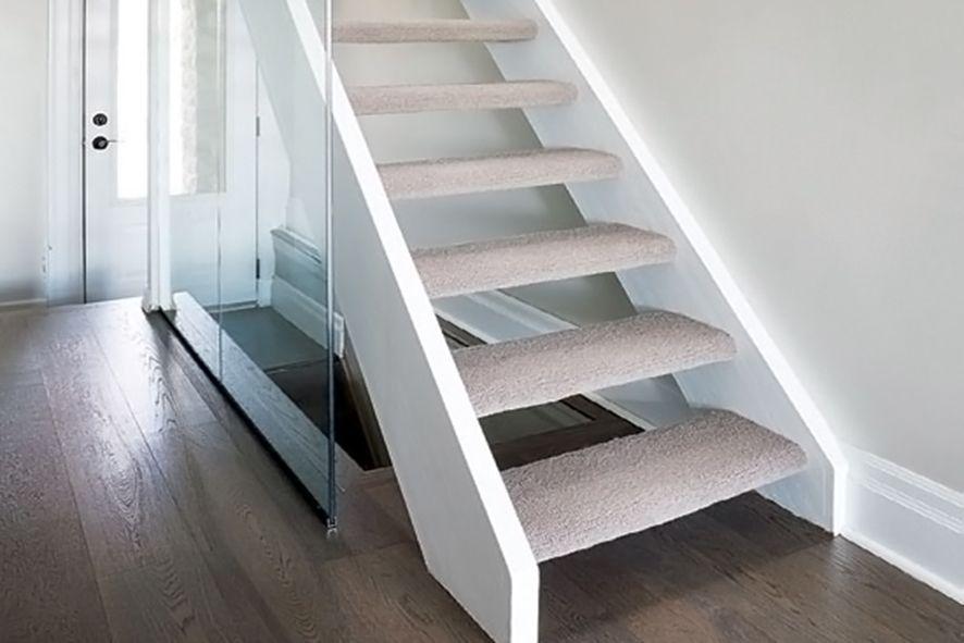Trap Tapijt Leggen : Vloerbedekking laten verwijderen kosten per m vloer en trap